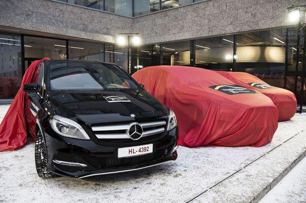 Ensimmäinen auto on paljastunut - kaasuauto Mercedes B 200 NGD.