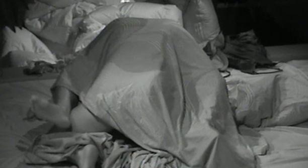 Minnan ja Esa J:n maanantaiöistä seksiaktia kuvattiin liian tarkasti.