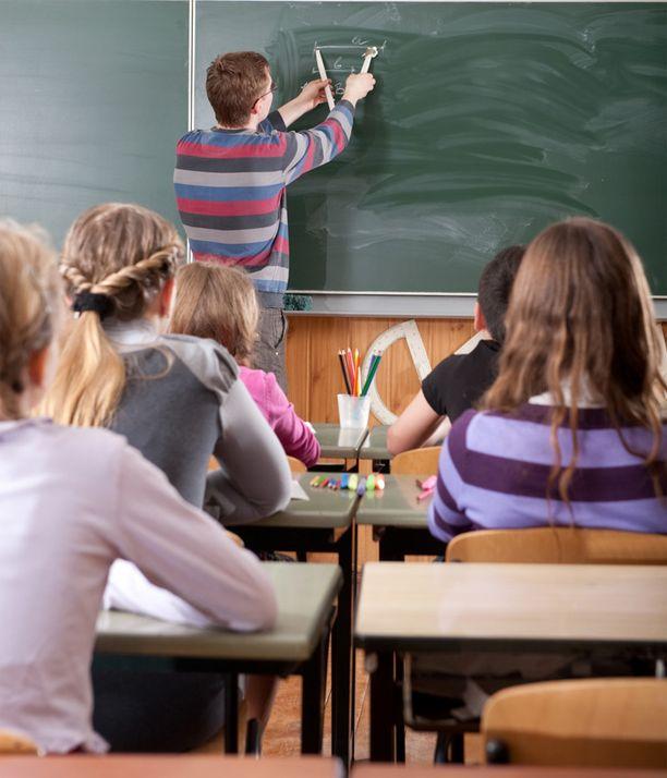 Lukuisat opettajat joutuvat oppilaiden kiusaamisen kohteeksi sosiaalisen median palveluissa.