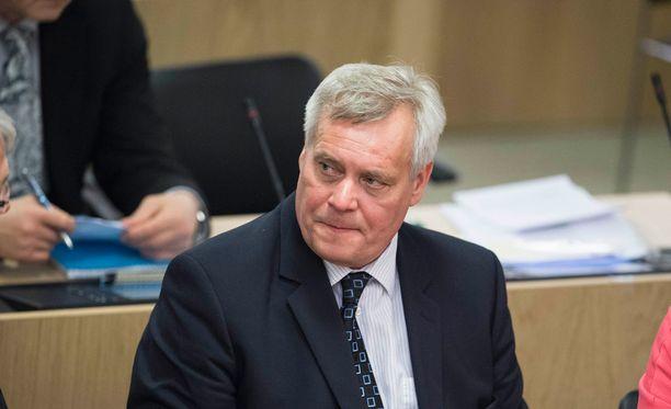 SDP:n puheenjohtaja Antti Rinne arvioi SuomiAreenan keskustelussa, että nykyinen hallitusohjelma jakaa Suomen kahtia.