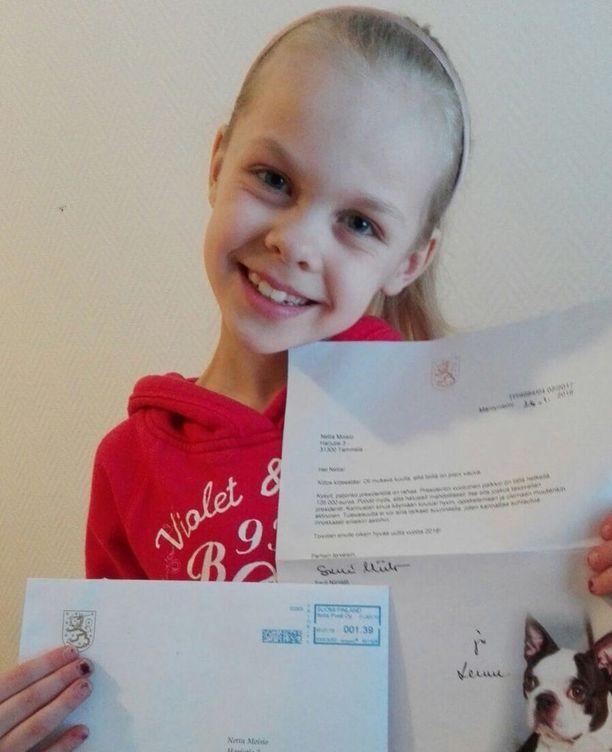 Netta kertoo, että oli saamaansa vastaukseen hyvin tyytyväinen. Hän esitteli kirjettä koulussa myös luokkatovereille ja opettajalle.