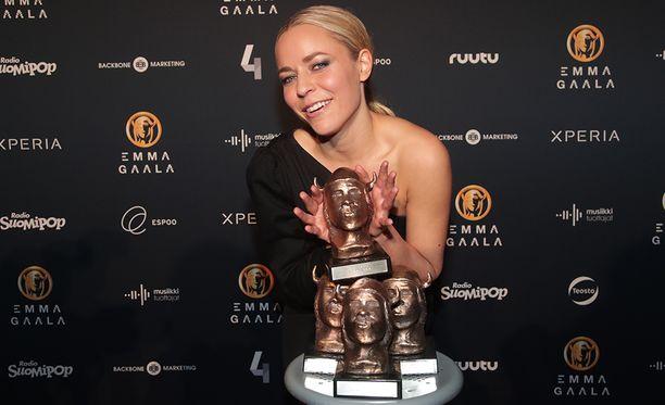 Vesala voitti Emma-gaalassa neljä palkintoa.