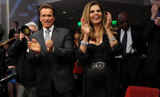 Arnold Schwarzenegger ja Maria Shiver vielä silloin, kun kaikki oli hyvin. Maria muun muassa tuki miestään Kalifornian kuvernööri -kampanjassa.