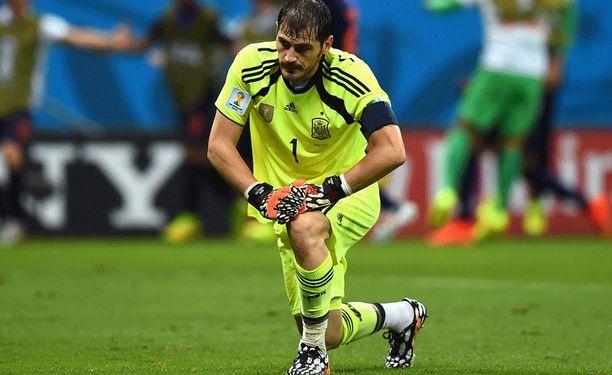Iker Casillasin ja Espanjan ilta oli sysimusta.