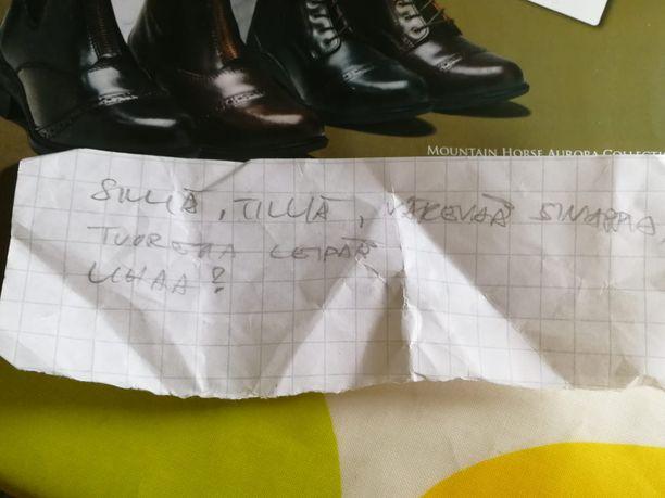 Onko tämä Klaukkalan Citymarketista löytynyt lappu ostoslista vai runo?