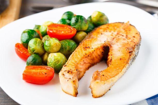 Kun lautasellasi on kalaa ja vihreitä vihanneksia, olet valinnut terveellisesti.