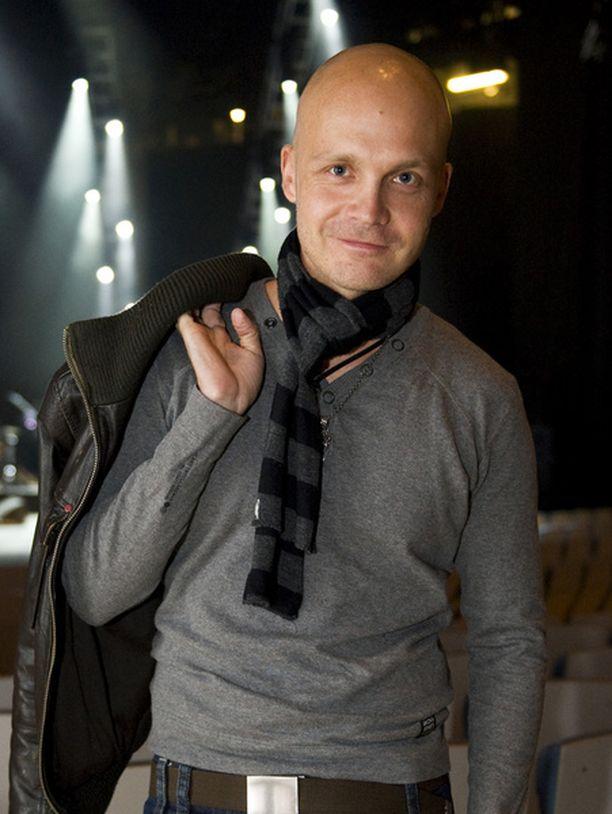 Juha Tapion kappale Kaksi puuta oli lisäksi äänestäjien mielestä vuoden 2008 paras iskelmä.