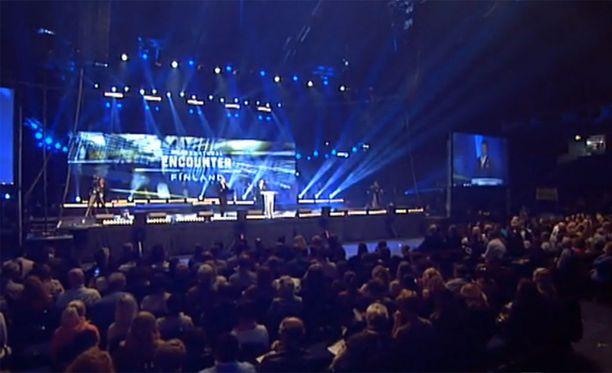 Nouse Suomi -tapahtuma lähetettiin suorana lähetyksenä uskonnollisella TV7-kanavalla.