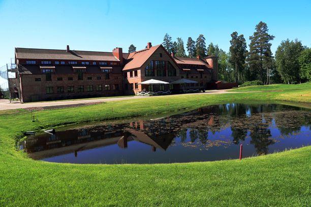 Vanajanlinnassa toimii myös Linna Golf.