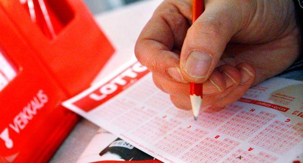 Kuudella miljoonalla rikastuneet lottovoittajat löytyivät.