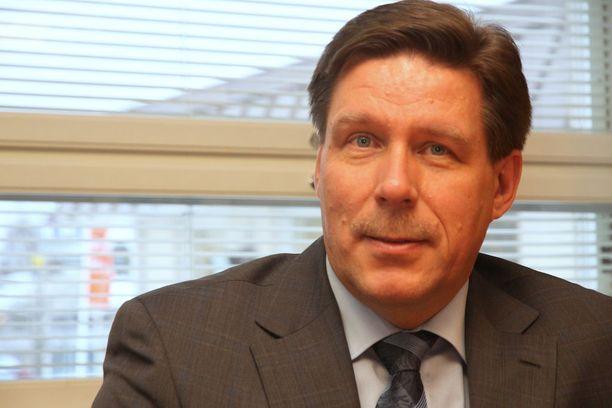 Yhtiön väliaikainen toimitusjohtaja Tauno Maksniemi kertoo yhtiön tehneen lukuisia toimenpiteitä talousvaikeuksien selättämiseksi.