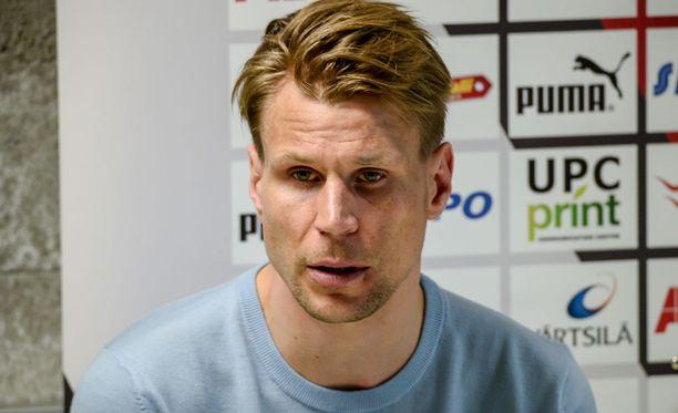 Toni Koskelan valmentama RoPS ei pystynyt yllättämään HJK:ta.