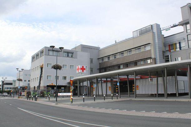 Veikko ja Kirsti Sädesuota hoidettiin muiden loukkaantuneiden tavoin Kuopion yliopistollisessa sairaalassa.