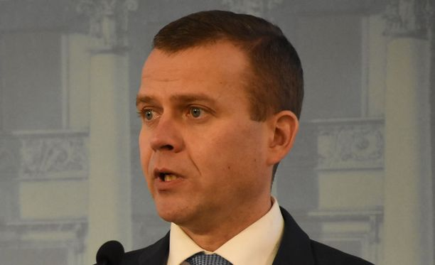 Petteri Orpo (kok) on huolissaan siitä, että katupartiot lisäävät poliisin työtaakkaa.