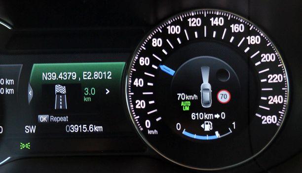 Älykäs nopeusavustin tulee autoihin pakolliseksi vuonna 2022. Järjestelmä säätää nopeuden rajoitusta vastaavaksi.
