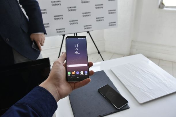 Suomi saa uusia Galaxy S8 -puhelimia ensimmäisten joukossa.