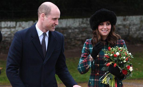 Prinssi William ja herttuatar Catherine vierailivat joulukirkossa.