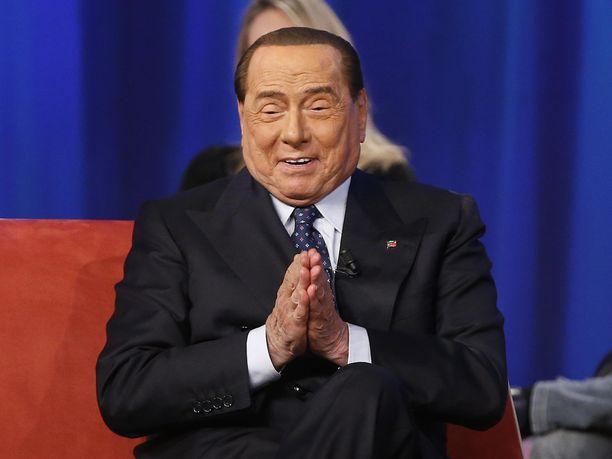 Silvio Berlusocni aiheutti lukuisia kohuja Italian pääministerinä.