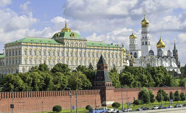 Myös Kremlin oma ihmisoikeusneuvosto on sanonut todisteiden viittaavan siihen, että Sergei Magnitski hakattiin kuoliaaksi hänen ollessaan tutkintavankeudessa. Nyt hänen perheensä asianajaja on loukkaantunut vakavasti.