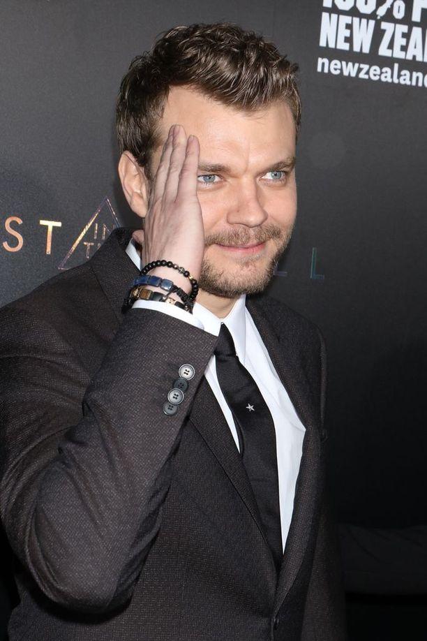 Asbaek näyttelee tänä vuonna myös keväällä ensi-iltaan tulleessa elokuvassa Ghost in the Shell.