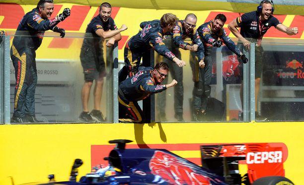 Max Verstappenin neljäs sija Hungaroringin radalla otettiin Toro Rossolla riemuisasti vastaan.