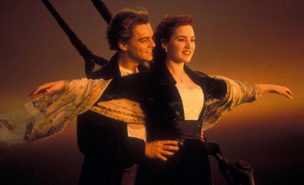 Leonardo DiCaprio ja Kate Winslet näyttelivät elokuvan pääosat.