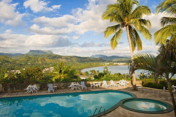 Noin 80 000 asukkaan Baracoa sijaitsee Kuuban itärannikolla. Taustalla siintää El Yunquen vuori, johon tehdään luontoretkiä.