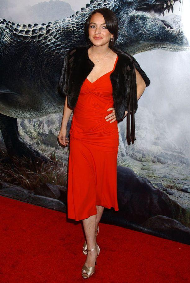 Lindsay Lohan, ennen botoxia, vuonna 2005. Huomaa turkissomisteet.