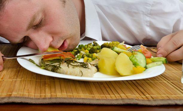 Ruokamyrkytys voi aiheuttaa pahoinvointia.