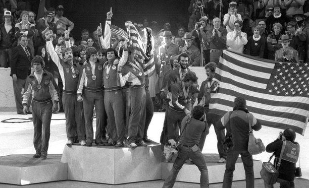 USA juhli ikimuistoisesti olympiakultaa Lake Placidissa 1980.