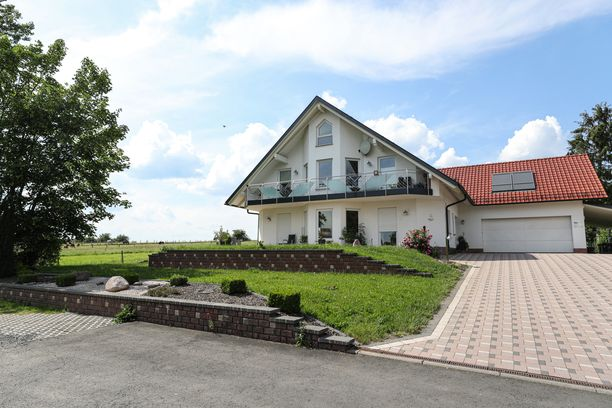 Paikallispoliitijkko Walter Lübcke ammuttiin kotitalonsa terassilla 2. kesäkuuta.