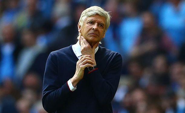 Arsene Wenger on valmentanut Arsenalia vuodesta 1996 lähtien.