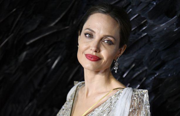 Angelina Jolie on tehnyt paljon hyväntekeväisyystyötä.