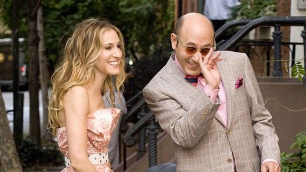 Sarah jessica Parker ja Willie Garson Sinkkuelämää -elokuvan kuvauksissa vuonna 2008. Kuva: AOP