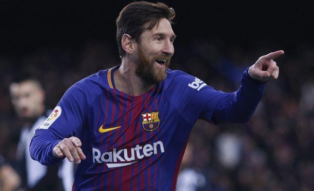 Lionel Messi johtaa La Ligan maalipörssiä 16 osumalla. Seuraavina listalla ovat joukkuekaveri Luis Suárez ja Celtan Iago Aspas.