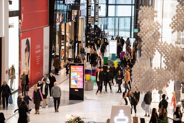 Mall of Scandinavia -kauppakeskuksessa riitti vilskettä viime perjantaina.