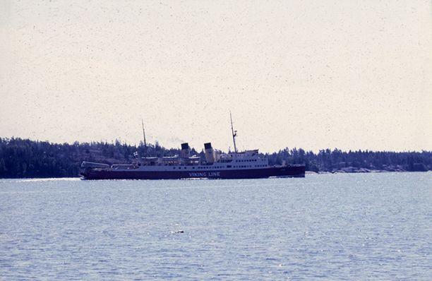S/S Viking oli Viking Linen ensimmäinen alus. Yhtiön nimi oli tuolloin Rederi A/B Vikinglinjen.