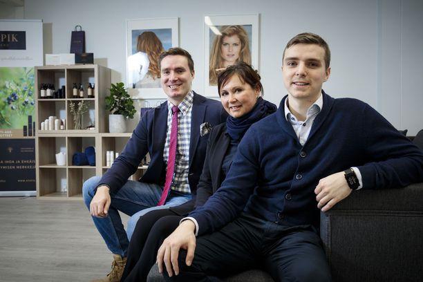 Anni Linnavirran pojista Arttu ja Santtu ovat töissä perheyrityksessä.