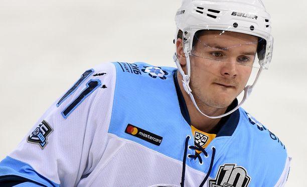 Julius Junttilan KHL-pesti päättyi potkuihin vain viiden ottelun jälkeen.