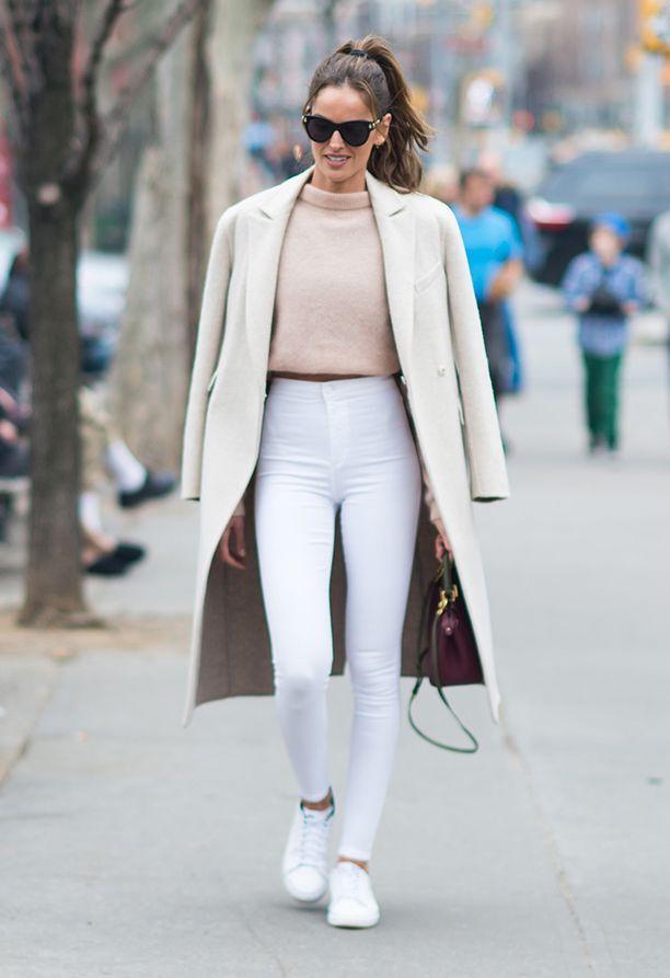 Nämä farkut näyttäisivät astetta tyylikkäämmiltä hiukan väljemmässä koossa.