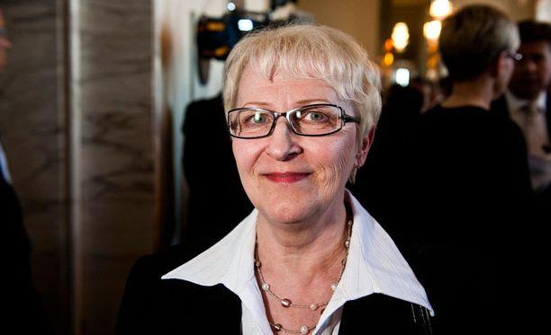 - Olen miettinyt tätä asiaa noin vuoden päivät, eli päätös ei ollut äkkinäinen, viime eduskuntavaaleissa yli 9000 ääntä Pirkanmaalla saanut Laila Koskela kommentoi loikkauspäätöstään.