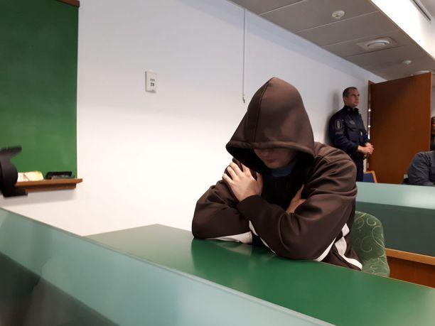 Jori Juhani Lasonen oikeudessa vastasi tiistaina murhasyytteisiin Imatran käräjäoikeudessa.