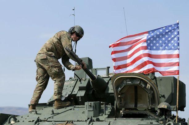 Yhdysvaltain hallitus harkitsee muun muassa panssarin- ja ilmatorjuntaohjusten lähettämistä Ukrainaan.