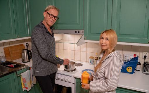 Toivo ja Nadja Sukari uutuusohjelmassa köyhän roolissa – lopuksi tuli itku: Ikea-lounas nöyryytti