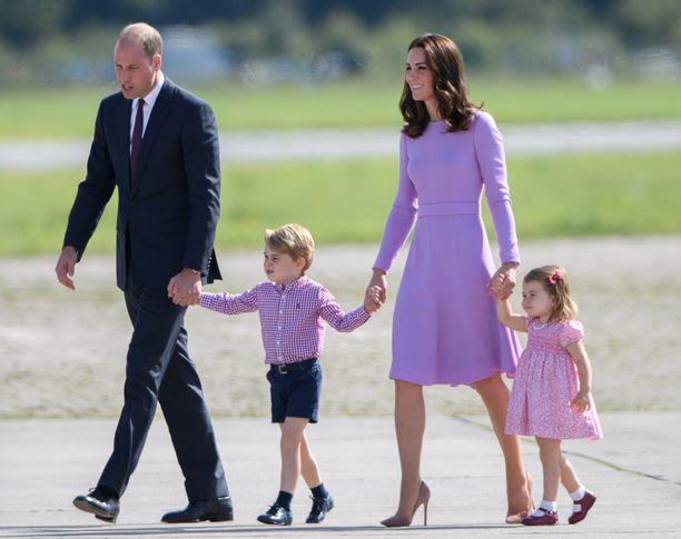Prinssi George, 4, ja prinsessa Charlotte, 2, saavat pikkusisaruksen.