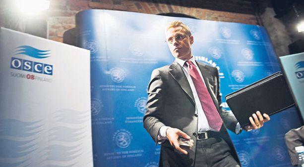 Alexander Stubb on tyytyväinen mittauksen tulokseen, mutta arvelee hyötyneensä ulkoministerin asemasta.