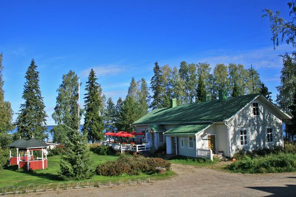 Idyllinen Paksuniemi sijaitsee Rääkkylässä, Saimaan kauniissa järvimaisemissa.