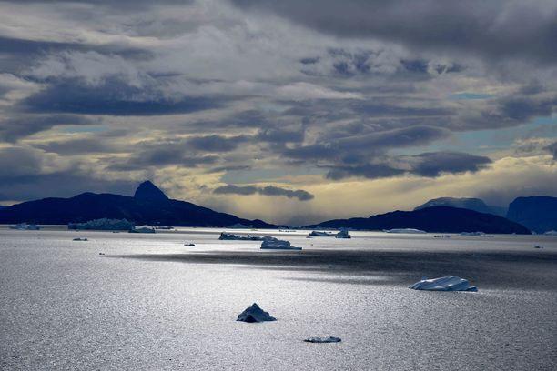 Tämä kuva on Grönlannista, jonka magneettinen pohjoisnapa ohitti aikoja sitten.