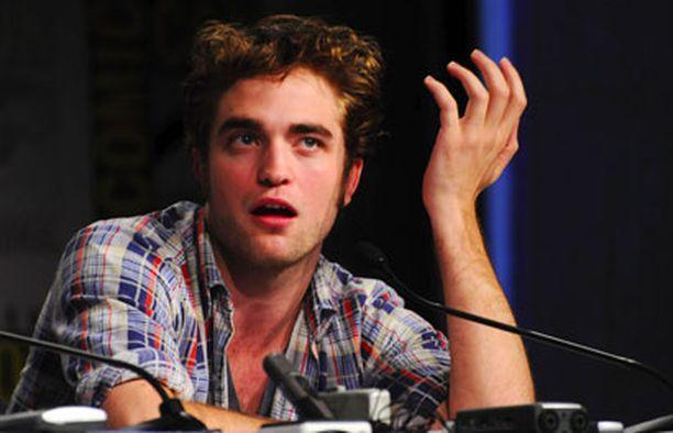 """- Tämä """"kuumin näyttelijä"""" -juttu ei oikeastaan tarkoita mitään. Hypetystä kestää ehkä kuukauden, Pattinson on todennut."""