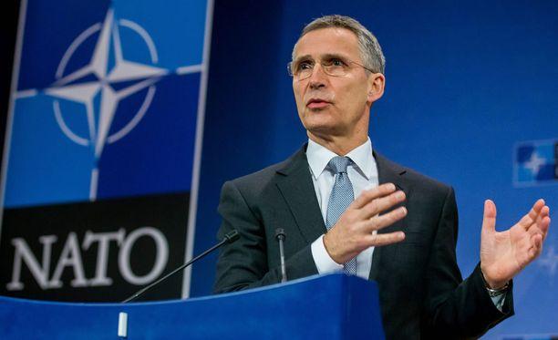 Naton pääsihteeri Jens Stoltenberg vakuuttaa, ettei Italian asema Natossa muutu.